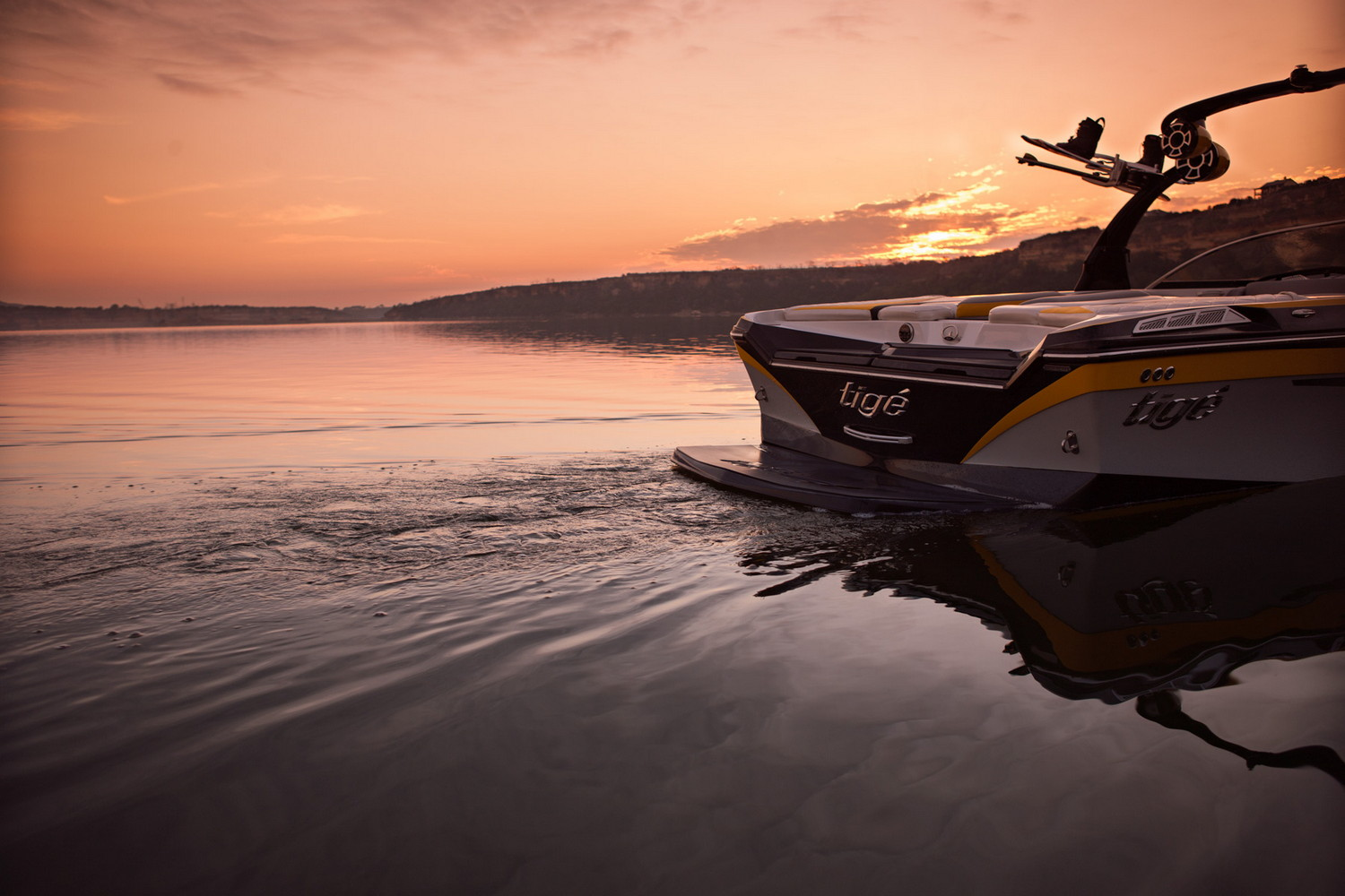 Image Gallery Of Tige Boat Wallpaper